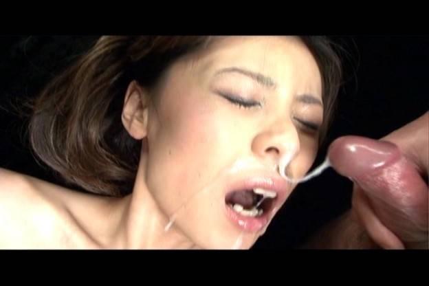 Natsumi takes several cum facials while toyed