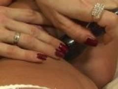 Ultra sexy Czech girl dildoing her succulent snatch